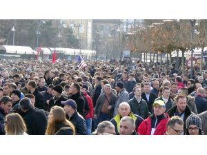 Kosova'da Tansiyon Yükseldi