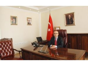 Vali Demirtaş, 10 Ocak Türk İdareciler Günü'nü Kutladı