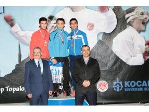 Kocaeli'nin ev sahipliği yaptığı Karate Şampiyonası sona erdi