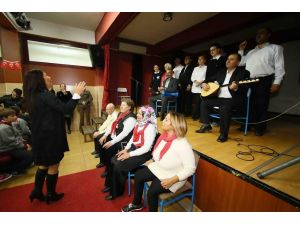 Engelliler Korosu, okullarda konser veriyor