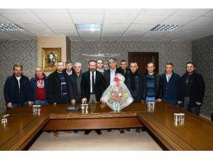 Yeşilova Gençlik Spor Kulübünden Başkan Doğan'a Ziyaret