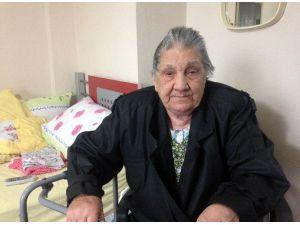 Yaşlı Kadını Dövüp, Biriktirdiği Mezar Parasını Çaldılar