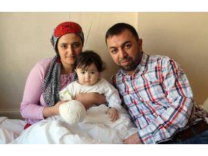 11 Aylık Bebeğin Kopan Parmağı Yerine Dikildi