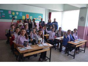 Epçiler Ortaokulu Öğrencilerine Kitap Hediyesi