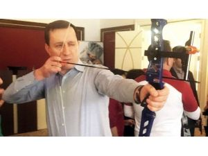 AK Partili Vekiller Ok Atarak Stres Attılar