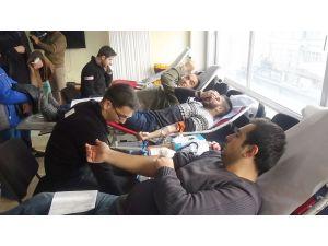 Elazığ Ülkü Ocakları'ndan kan bağışı programı