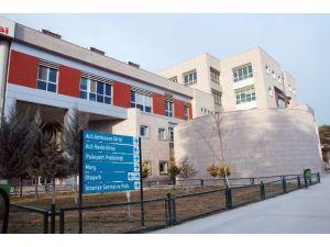 Domuz Gribi Şüphesi İle Hastaneye Başvuran Kadın Hayatını Kaybetti