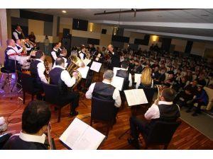 Kent Orkestrası Dinleyenleri Mest Etti