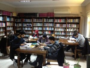 Faik Baysal Kütüphanesi Gece 24.00'de Kadar Açık