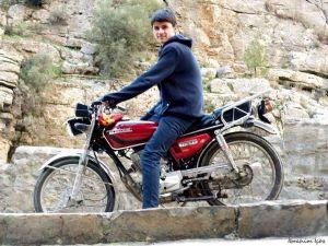 Motosiklet kazasında bir genç hayatını kaybetti, ikisi yaralandı