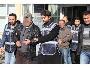 Gece Bekçisi Ve Arkadaşı Mazot Hırsızlığından Tutuklandı
