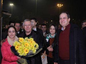 Aziz Yıldırım'dan Maç Sonrasında Giresun Belediyesine Ziyaret