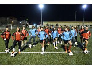 Muratpaşa'nın Kadınları İlk Yarıyı Mutlu Bitirdi