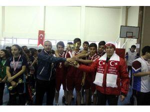 Genç Erkeklerde Voleybolun Şampiyonu Endüstri Meslek Lisesi Oldu