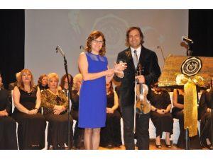 Eskişehir'de Türk Eğitim Vakfı Yararına Konser Verildi