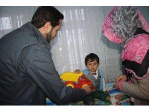 Bayburt AK Parti Gençlik Kollarından Hastanedeki Çocuklara Sürpriz