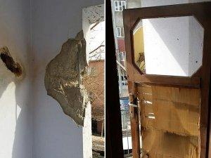 Teröristlerin polis aracına attığı roketatar mermisi eve isabet etti