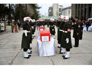 Şehit Askerler İçin Tören Düzenlendi