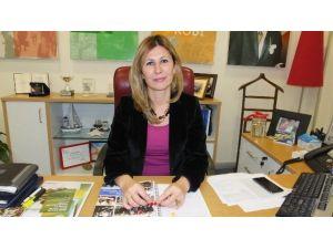 Burhaniye Denizbank'a Bayan Müdür