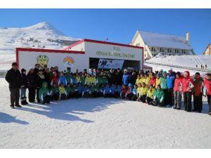 Yıldız Dağı'nda Öğrencilere Kayak Eğitimi Verilecek