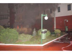 Üniversitede yangın paniği