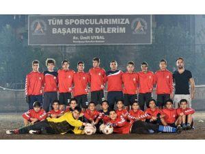 Muratpaşa'lı Gençler İlk Yarının Lideri