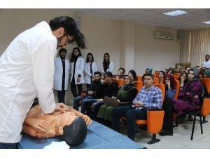 Doktor Adaylarından İlk Yardım Dersi