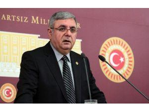 """AK Parti'li Metiner: """"CHP'lilerin Yaptığı Eşkıyalıktır"""""""