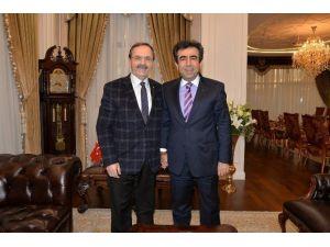 Başkan Şahin, Vali Güzeloğlu'nu Ziyaret Etti