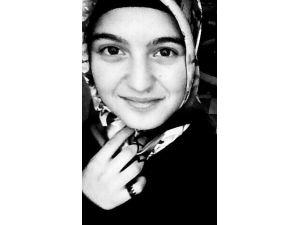 Cam Sehpanın Üzerine Düşen Lise Öğrencisi Hayatını Kaybetti