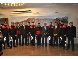 Başkan Özdemir'den Su Altı Kurtarma Ekibine Kutlama