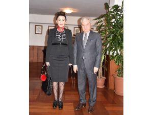 """İZTO Başkanı Demirtaş: """"Kıbrıs'taki Paslı Tel Kalkmalı"""""""