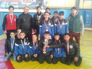 Badminton'da Da Şampiyon Yunusemre