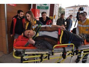 Kepçenin Altında Kalan İşçi Ağır Yaralandı