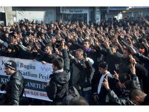 Van'da 12 kişinin öldürülmesi Yüksekova'da protesto edildi