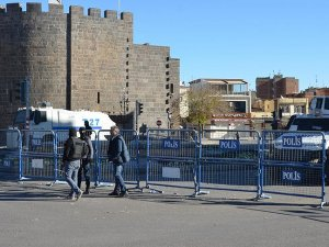 Sur'daki sokağa çıkma yasağı, 1 sokak için geçici olarak kaldırılacak