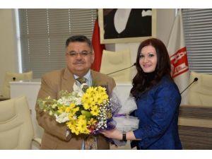 Başkan Yağcı, Spor Merkezindeki Sportif Faaliyetlere Katılan Kadınlarla Buluştu