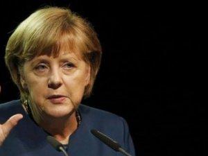 Merkel'den 'Sultanahmet saldırısı' açıklaması