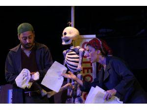 Adana Devlet Tiyatrosu 'Muammer' ile güldürecek