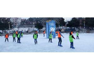 Büyükşehir'den Buz Pateni Kursu