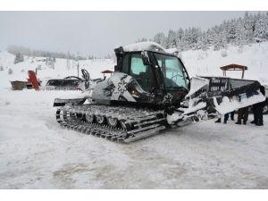 Ilgaz'a Kar Küreme Makinesi