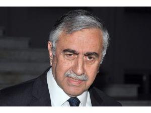 Akıncı'dan Sultanahmet'teki terör saldırısına kınama