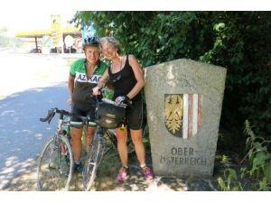 Yaşıtları Evde Otururken Bisikletle Dünya Turuna Çıktı.