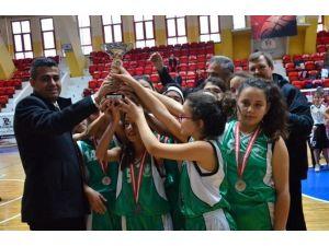 Okullararası Küçük Kızlar Basketbol İl Birinciliği Tamamlandı