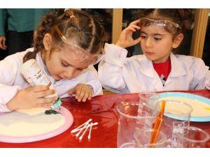 Bilim Merkezi'nde 3 Farklı Atölye Çocukları Bekliyor