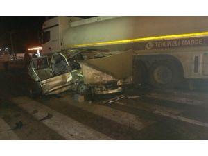 Tanker İle Otomobil Çarpıştı: 1 Yaralı