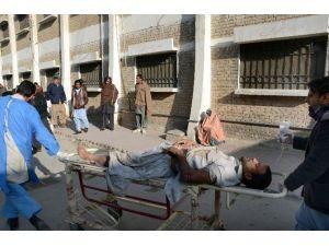 Pakistan'da Çocuk Felci Aşılama Merkezine İntihar Saldırısı: 15 Ölü