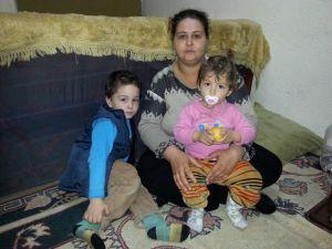 Üç çocuk annesi genç kadın, yaşam mücadelesi veriyor