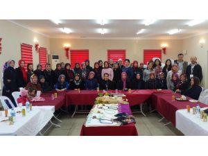 Sabancı Gönüllüleri Tepeköy'de