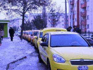Ağrı Belediyesi taksiciler ile bir araya geldi